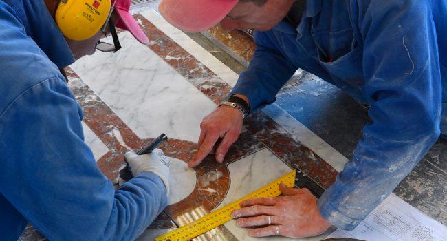 assentando-marmore